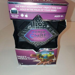 MERGE Cube – Hold Virtual 3D Objects Using Augment